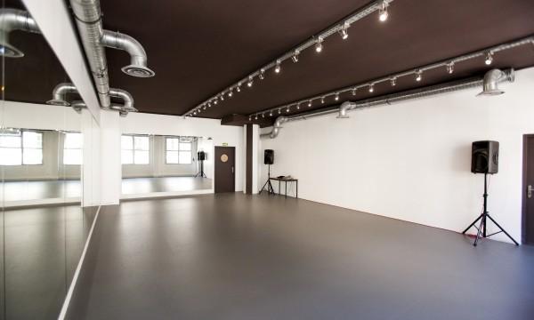 St Bleu Salle de danse droite – 75010-03