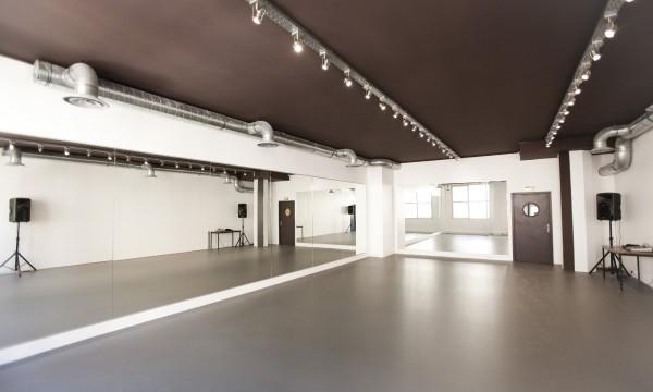 St Bleu Salle de danse droite – 75010-04