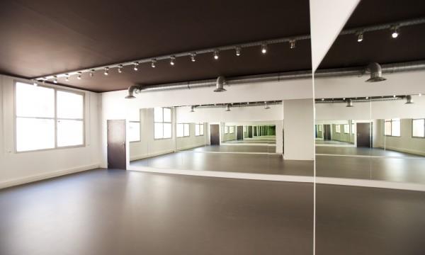 St Bleu Salle de danse gauche 75010-09