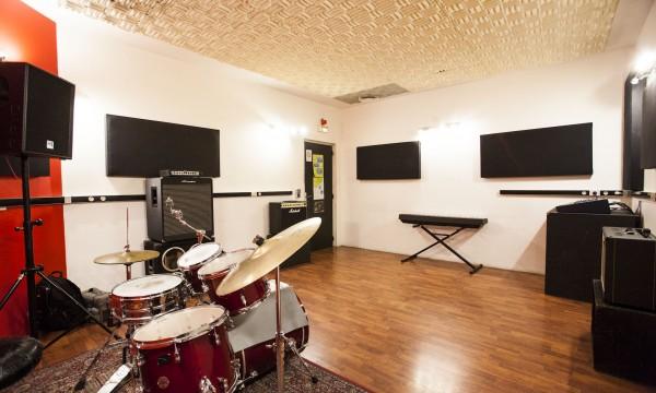 Studio C-04