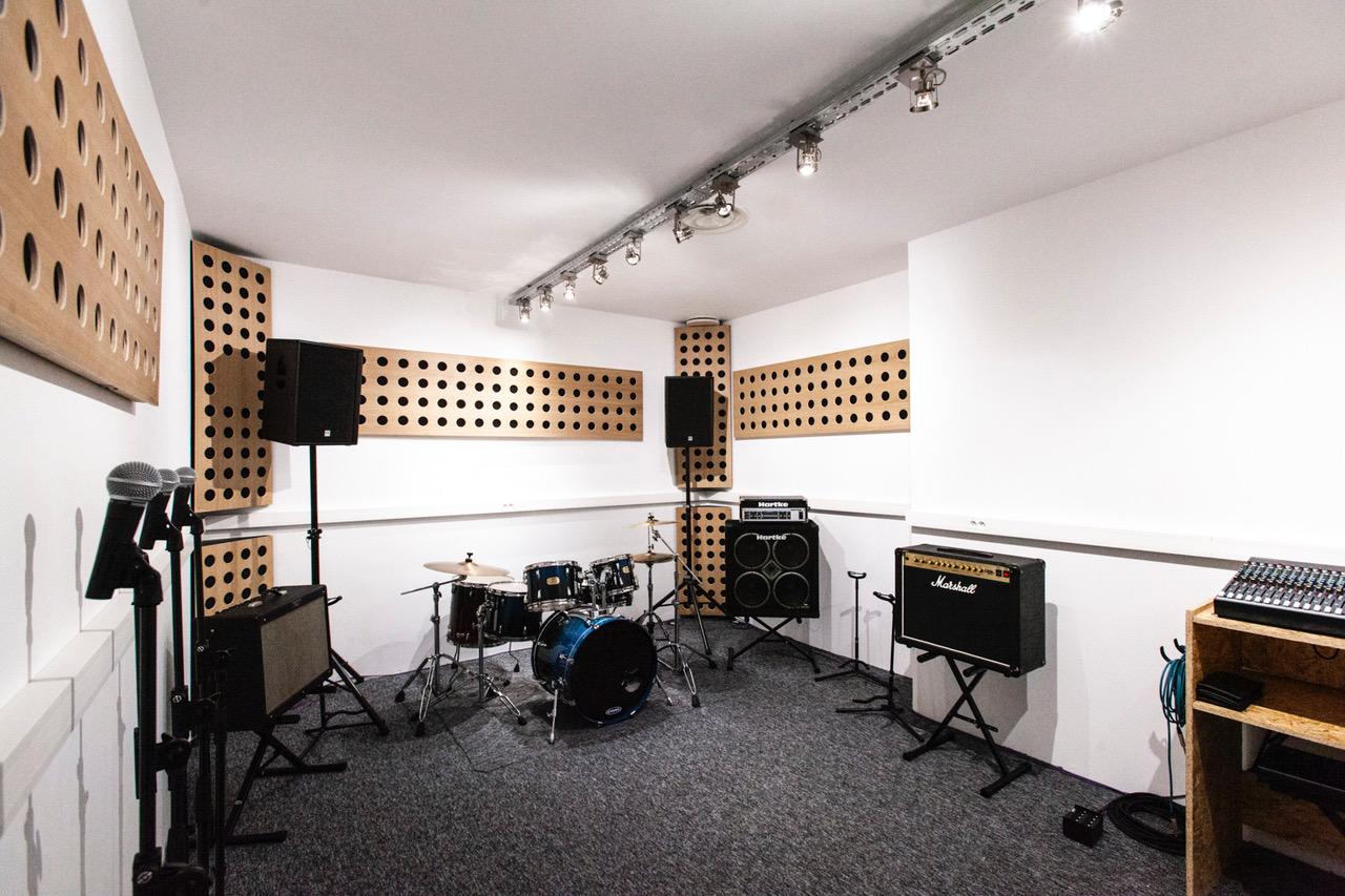 STUDIO BLEU – Ouverture de studios à PANTIN !